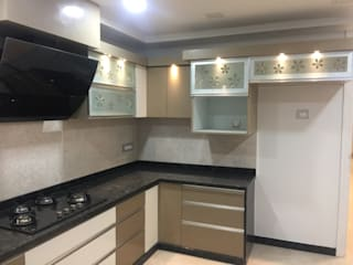 Touch of Finesse (Kitchen) Modern kitchen by Kathkarma Interior Designers & Space planners Modern