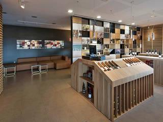 Proyecto de diseño de interiores y de mobiliario en Bodega José Pariente Espacios comerciales de estilo moderno de MEDITERRANEAN FUSION S.L. Moderno