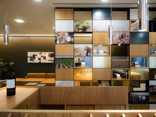 Proyecto de diseño de interiores y de mobiliario en Bodega José Pariente Museos de estilo moderno de MEDITERRANEAN FUSION S.L. Moderno