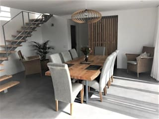 Blue Water Estate 2 Modern dining room by Architectural Hub Modern