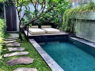 JAIHO INTERIORS - RESIDENCE & COMMERCIAL INTERIORS Modern pool