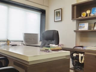 Office interior at Nariman Point Modern office buildings by Core Design Modern