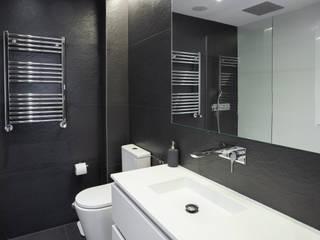 Nueva vivienda en Don Ramón de la Cruz WINK GROUP Baños de estilo moderno Cerámico Negro