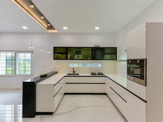 Interior at Sankeshwar, Karnataka by A B Design Studio Modern
