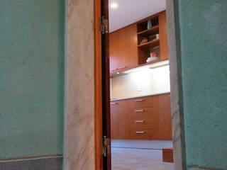 Casa-Hygge Renovatio Corredores, halls e escadas clássicos por casasrenovatio Clássico