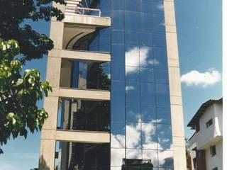 OMAR SEIJAS, ARQUITECTO Moderne Bürogebäude