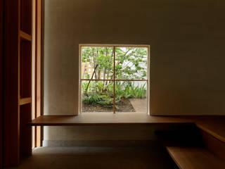 長泉町の家 オリジナルスタイルの 玄関&廊下&階段 の 永松淳建築事務所 オリジナル