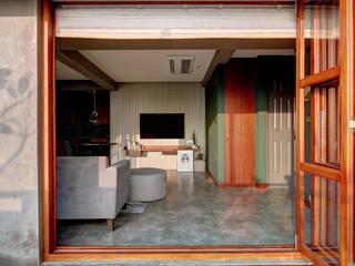 Salas de estar minimalistas por Studio Nirvana Minimalista