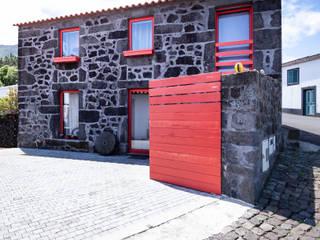 Casa em São Roque por Xavier Ávila arquitetos Campestre