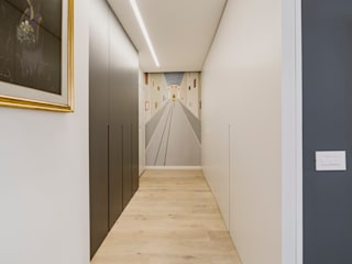 Annalisa Carli Modern Corridor, Hallway and Staircase Wood White