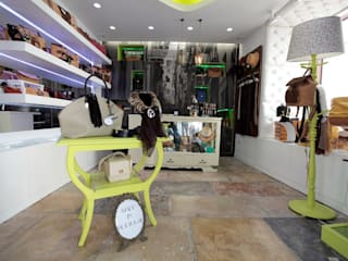Projecto Loja das Peles no Chiado em Lisboa Espaços comerciais eclécticos por Ana Maria Timóteo _ arquitecta Eclético