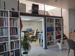 Projeto de Mezzanine _ Apartamento Particular Salas de estar modernas por Ana Maria Timóteo _ arquitecta Moderno