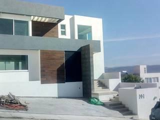 CASA HABITACION PORTA TOSCANA Casas modernas de AVANZA ARQUITECTOS Moderno