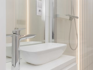 Scope Interior Design Piotr Skorupa Modern bathroom Ceramic White