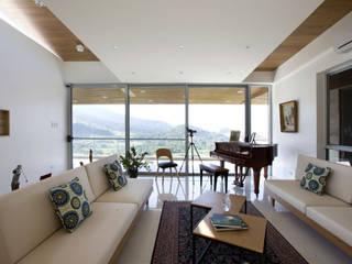 MV house Minimalist living room by 8X8 Design Studio Co. Minimalist