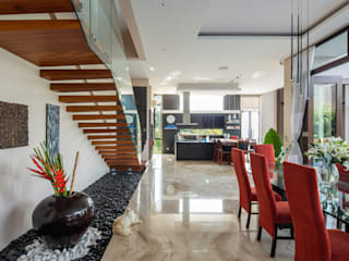 by MJ Kanny Architect Tropical