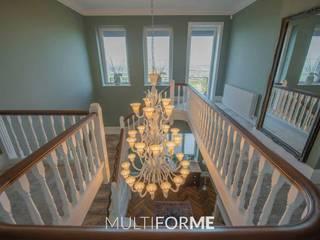 Villa di Lusso con Lampadari Design in Vetro di Murano a Londra di MULTIFORME® lighting Classico