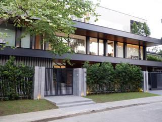 Modern houses by 8X8 Design Studio Co. Modern