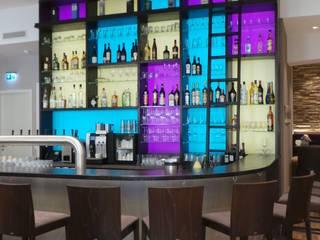 raum in form - Innenarchitektur & Architektur Bars & clubs modernes Multicolore