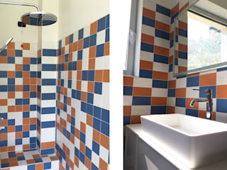 studiolineacurvarchitetti Modern Bathroom Tiles Blue