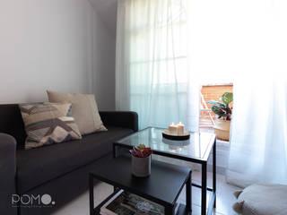 Home Staging. Dormitorio Abuhardillado en Fuenlabrada POMO. Home Staging & Design Studio Dormitorios de estilo industrial