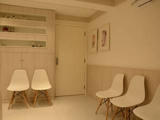 CLÍNICA DERMATOLÓGICA Clínicas minimalistas por arquiteta aclaene de mello Minimalista