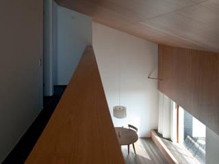 山崎の家 ミニマルデザインの リビング の 横山浩之建築設計事務所 ミニマル