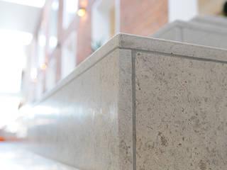 SOCIAL OG SUNDHEDSSKOLE - Herning, Dk Escolas modernas por Mocamar Limestone Moderno