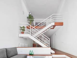 Vallribera Arquitectes ห้องนั่งเล่น ไม้ White