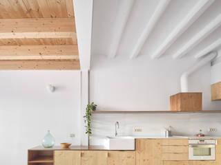 地中海デザインの キッチン の Vallribera Arquitectes 地中海