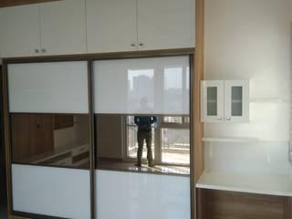 2BHK Apartment interior Modern style bedroom by TAPSHAM ARCHITECTS Modern