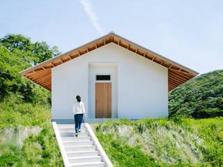 おかやま設計室 Scandinavian style houses Metal White