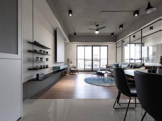有隅空間規劃所 Salon industriel Béton Gris