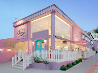 D arquitetura クラシカルなレストラン ピンク