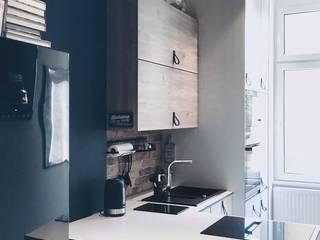 Projekt wnętrz mieszkania w KAMIENICY EFEKT DOMINA Projektowanie Wnętrz Kuchnia na wymiar