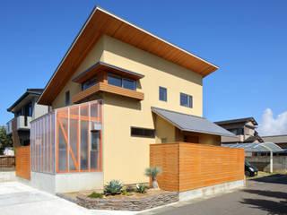 緑箱の家 の 田村の小さな設計事務所 モダン