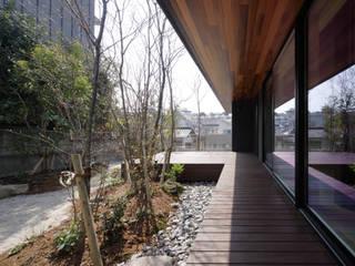 山亭 の 田村の小さな設計事務所 モダン