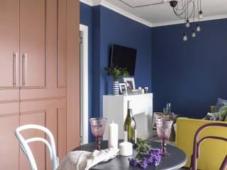 Яркая квартира с французским акцентом Столовая комната в эклектичном стиле от Студия дизайна M I S U R A Эклектичный