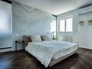 Penthouse_VE Camera da letto minimalista di Sebastiano Canzano Architects Minimalista