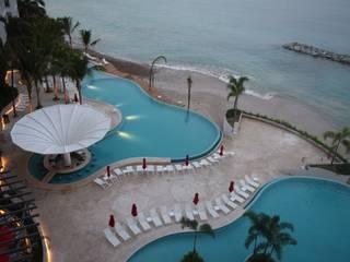 Ambiente Arquitectos Asociados, S.A de C.V. Modern pool