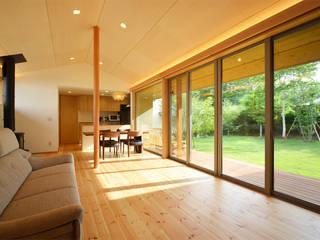 悠々楽々舎 鎌田建築設計室 和風デザインの リビング