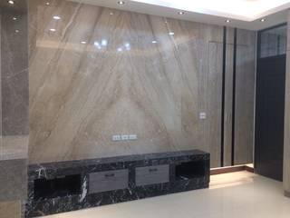 君臨室內裝修設計-住宅空間設計 现代客厅設計點子、靈感 & 圖片 根據 君臨室內裝修設計 現代風