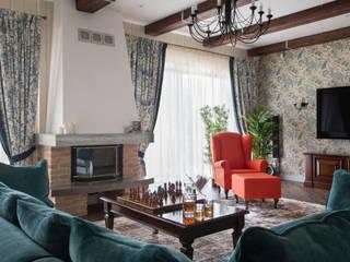 Загородный дом в английском стиле Гостиная в классическом стиле от Indigo Design Классический