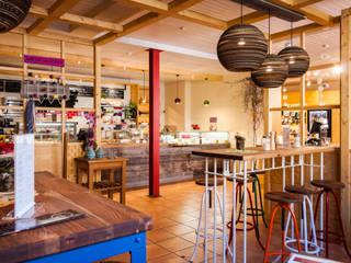 Naturkostladen Die Ähre in Schwabach Landhaus Geschäftsräume & Stores von Behir Interior Design Landhaus