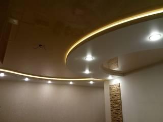 двухуровневый натяжной потолок с подсветкой LED Гостиная в классическом стиле от студия Потолочный PRO Интерьер Классический