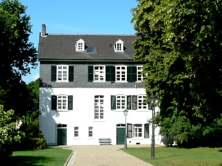 Museum Siegwerk Klassische Häuser von stengele+cie. Klassisch