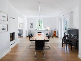Maisonnette-Wohnung, Düsseldorf Moderne Esszimmer von enning-architekten.de Modern