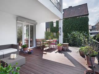 Maisonnette-Wohnung, Düsseldorf Moderner Balkon, Veranda & Terrasse von enning-architekten.de Modern