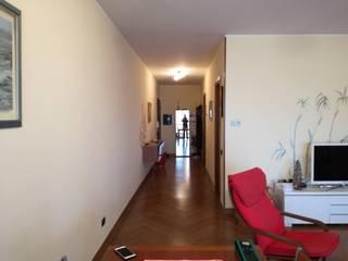 Zona giorno Corsico TREZZI INTERNI SNC DI TREZZI FAUSTO, FRANCESCO E DARIO Ingresso, Corridoio & Scale in stile moderno