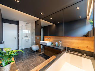 Wood and Slate Modern bathroom by Vivante Modern